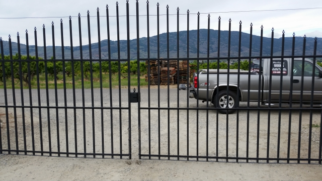 elecrtic security gates oliver bc